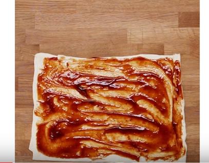 cách làm bánh gà cuộn phomai 3 cách làm bánh gà cuộn phomai Cách làm bánh gà cuộn phomai nướng thơm lừng dinh dưỡng cach lam banh ga cuon phomai nuong thom lung dinh duong 3