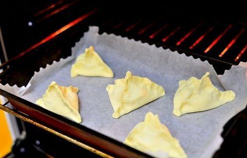 cách làm bánh sủi cảo phomai 5 cách làm bánh sủi cảo phomai Bánh sủi cảo phô mai thơm ngon béo ngậy cả nhà thích mê cach lam banh sui cao phomai cuc la ma cuc hap dan 6