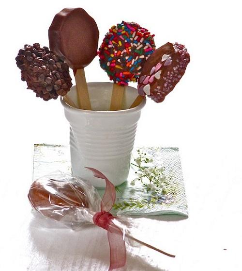 Cách làm kem kiwi bọc socola 8 cách làm kem kiwi bọc socola Cách làm kem kiwi bọc socola cực đơn giản ngọt mát chào hè cach lam kem kiwi boc socola cuc don gian ngot mat 8