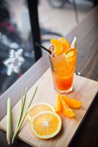 công thức trà đào cam sả 1 công thức trà đào cam sả Công thức trà đào cam sả mát lạnh cho ngày hè nóng nực cong thuc tra dao cam sa mat lanh cho ngay he nong nuc 1