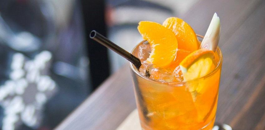 công thức trà đào cam sả 5 công thức trà đào cam sả Công thức trà đào cam sả mát lạnh cho ngày hè nóng nực cong thuc tra dao cam sa mat lanh cho ngay he nong nuc 5