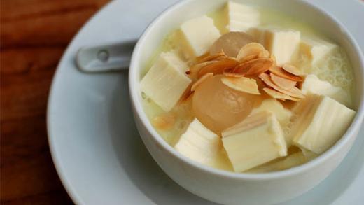 Các món chè dễ làm 14 các món chè ngon dễ làm Thanh mát với các món chè ngon dễ làm nhất mùa hè cac mon che de lam 5