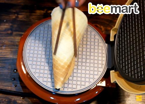 Cách làm bánh ốc quế ăn kèm giòn thơm như ngoài hàng-78