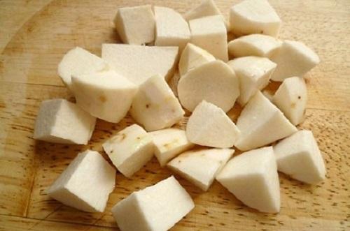 cách làm chè khoai sọ bột báng nước cốt dừa Cách làm chè khoai sọ bột báng nước cốt dừa bùi thơm ngọt mát cach lam che khoai so bot bang nuoc cot dua ngot mat 3