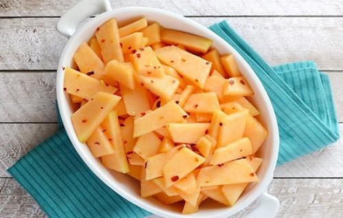 cách làm dưa vàng dầm ớt chua 6