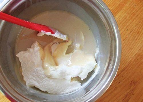 cách làm kem caramel mặn không cần máy làm kem Cách làm kem caramel mặn không cần dùng máy làm kem cach lam kem caramel man khong can may lam kem mat lanh 5