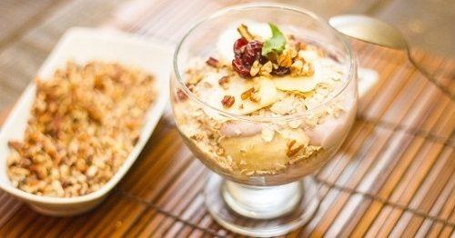 cách làm salad sữa chua yến mạch 1 cách làm salad sữa chua yến mạch Cách làm salad sữa chua yến mạch dinh dưỡng mát lạnh cach lam salad sua chua yen mach giai nhiet mua he 1