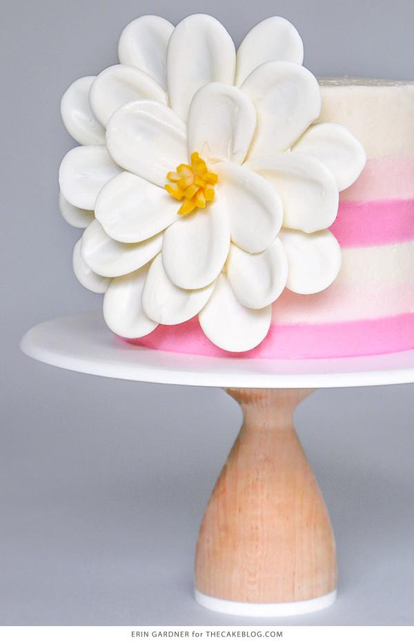 Cách làm hoa chocolate vô cùng đơn giản trang trí bánh kem-4