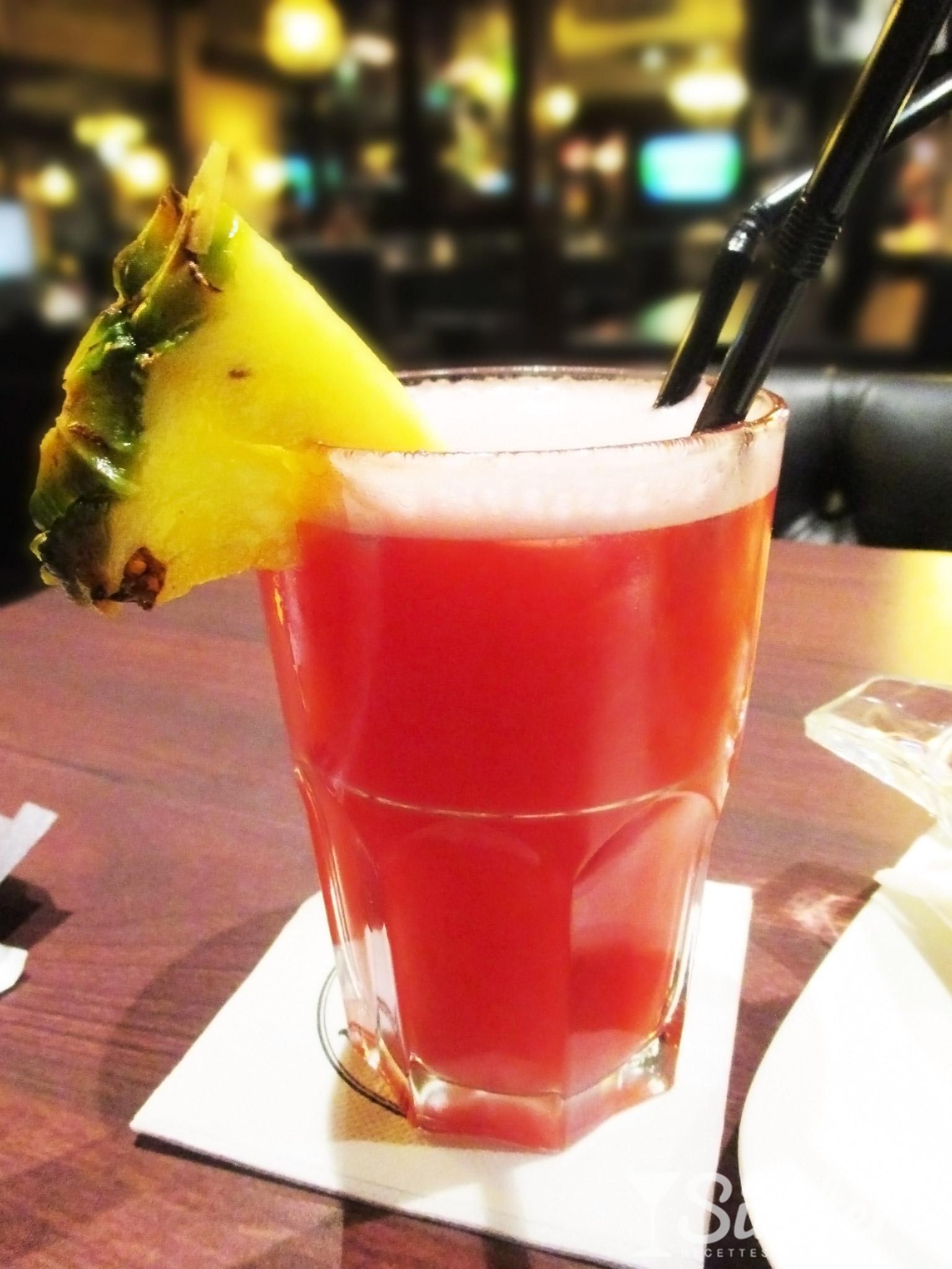 Các loại cocktail ngon dễ làm nhất-6 các loại cocktail ngon Chỉ cần 8 loại cocktail này, bạn sẽ vượt qua mùa hè 2017 cac loai cocktail ngon de lam nhat 5