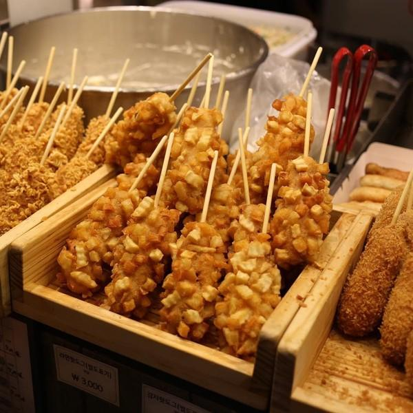 Danh sách các món ăn vặt Hàn Quốc không thể bỏ qua-11 các món ăn vặt hàn quốc 11 món ăn vặt không thể bỏ qua khi đến Hàn Quốc cac mon an vat Han Quoc khong the bo qua 8