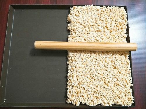 Cách làm bỏng gạo tại nhà cách làm bỏng gạo tại nhà Cách làm bỏng gạo tại nhà giòn tan và hấp dẫn cach lam bong gao tai nha 4