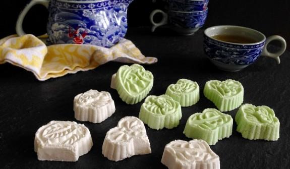 huong-dan-cach-lam-banh-phuc-linh-don-gian-tai-nha-02-575x335 cách làm bánh phục linh cà phê Biến tấu với bánh phục linh cà phê thơm nồng tan ngay trong miệng huong dan cach lam banh phuc linh don gian tai nha 02 575x335