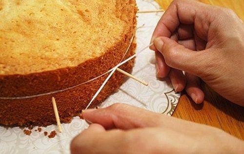 Mẹo trang trí bánh gato nhiều tầng vững và đều nhất-2 trang trí bánh gato nhiều tầng Mẹo trang trí bánh gato nhiều tầng vững và đều nhất meo trang tri banh gato nhieu tang vung va deu nhat