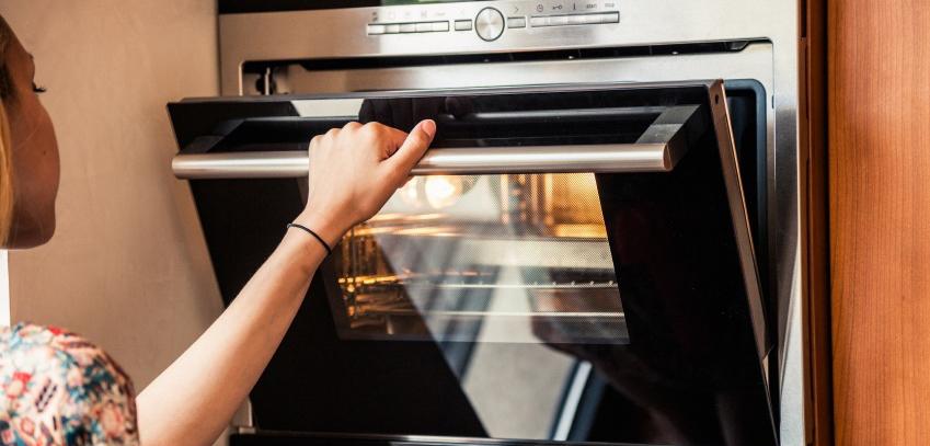 lưu ý khi sử dụng lò nướng lưu ý khi sử dụng lò nướng lần đầu Những lưu ý khi sử dụng lò nướng lần đầu tiên su dung lo nuong 1