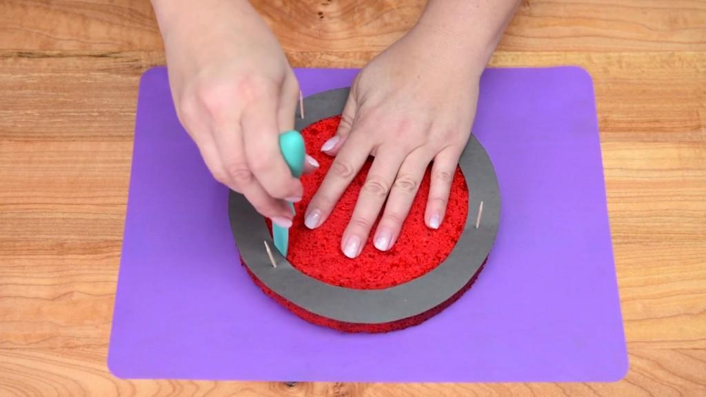 Cách làm bánh gato kẻ caro siêu độc đáo-2 cách làm bánh gato kẻ caro Cách làm bánh gato kẻ caro siêu độc đáo cach lam banh gato ke caro sieu doc dao 4 1024x576