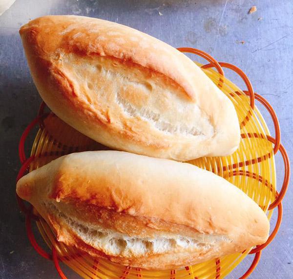 cách làm bánh mỳ Việt Nam cách làm bánh mỳ việt nam Cách làm bánh mỳ Việt Nam vỏ mỏng giòn tan cach lam banh mi viet nam