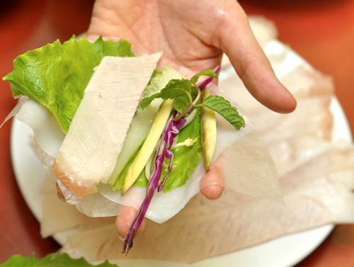 Cách làm bánh tráng cuốn thịt heo đơn giản ngay tại nhà-8