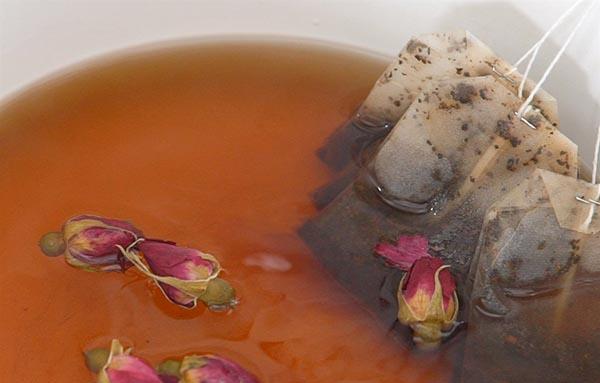 cách làm trà sữa hoa hồng cách làm trà sữa hoa hồng Cách làm trà sữa hoa hồng dịu ngọt lãng mạn cho ngày mưa cach lam tra sua hoa hong 3