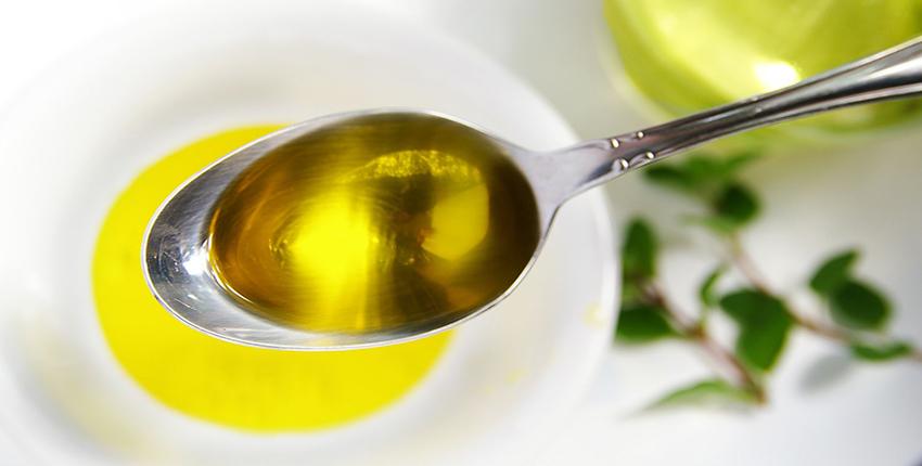 cách làm bơ dầu từ bơ lạt cho món cake chuối Mách bạn cách làm bơ dầu từ bơ lạt cho món cake chuối hấp dẫn cach lam bo dau tu bo lat cho mon cake chuoi 4