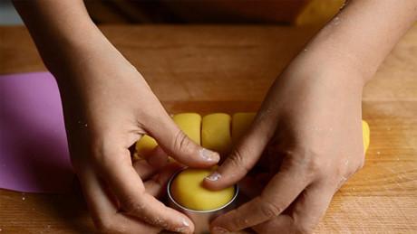 Cách làm bánh dứa Đài Loan vỏ mềm ăn hòa không ngấy-23 cách làm bánh dứa Đài loan Cách làm bánh dứa Đài Loan vỏ mềm ăn hoài không ngấy cach lam banh dua dai loan vo mem an hoai khong ngay 44
