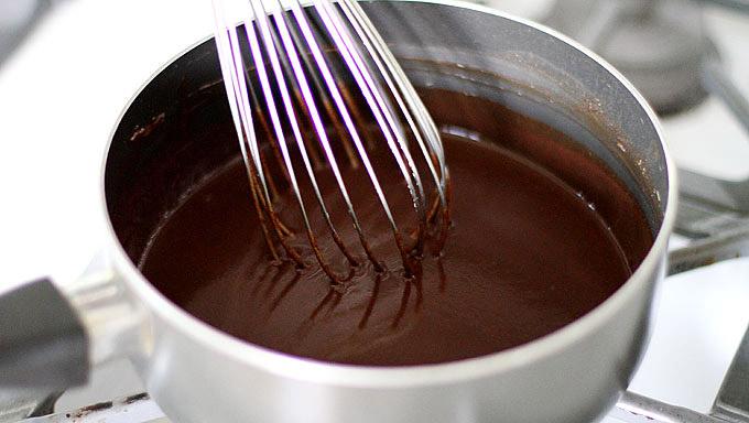 Cách làm bánh nướng trung thu lava chocolate đơn giản đến không ngờ-1 cách làm bánh nướng trung thu lava chocolate Cách làm bánh nướng Trung thu lava chocolate đơn giản đến không ngờ cach lam banh nuong trung thu lava chocolate don gian den khong ngo 1
