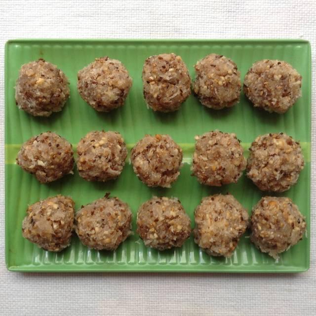 Cách làm bánh quy nhân dừa lá dưa thơm nức mũi -1 cách làm bánh quy nhân dừa Cách làm bánh quy nhân dừa lá dứa thơm nức mũi cach lam banh quy nhan dua thom nuc mui 6