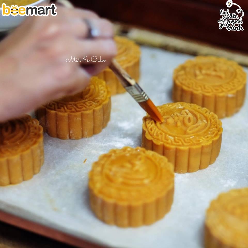 cách làm bánh trung thu 12 cách làm bánh trung thu Cách làm bánh Trung thu thập cẩm trứng muối cach lam banh trung thu 12