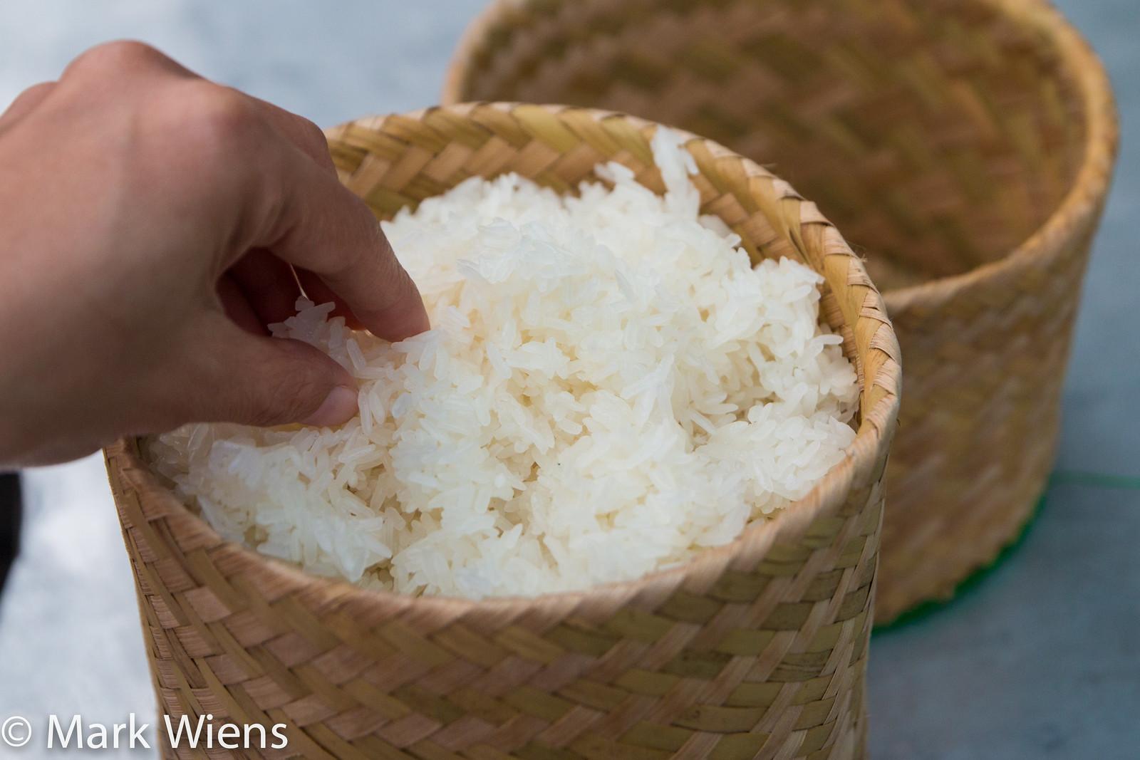 Cách nấu xôi ngon bằng nồi cơm điện cực đơn giản tại nhà-1 cách nấu xôi ngon bằng nồi cơm điện Cách nấu xôi ngon bằng nồi cơm điện cúng Rằm tháng 7 cach nau xoi ngon bang noi com dien 5