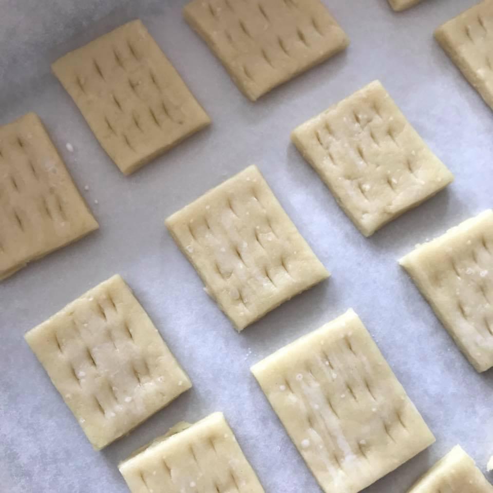 Cách làm bánh quy khoai tây không đường giàu dinh dưỡng cho trẻ nhỏ-5 cách làm bánh quy khoai tây Cách làm bánh quy khoai tây không đường giàu dinh dưỡng cho trẻ nhỏ Cach lam banh quy khoai tay khong duong giau dinh duong cho tre nho 3