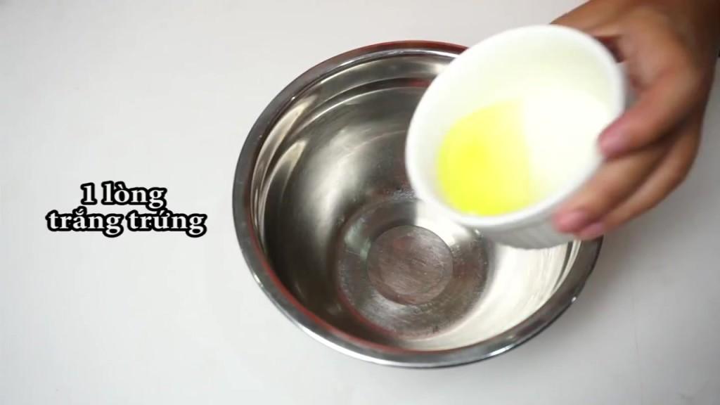 Cách làm kẹo Meringue hình con ma-1 cách làm kẹo meringue hình con ma Cách làm kẹo Meringue hình con ma ngộ nghĩnh H     ng d   n l  m k   o Meringue h  nh con ma 05 1024x576