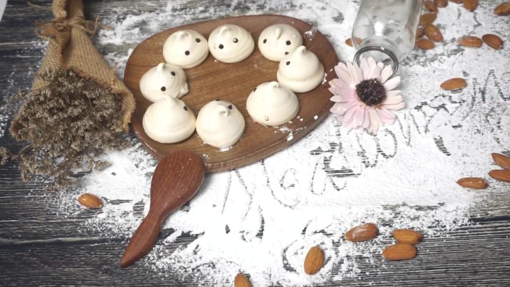 Cách làm kẹo Meringue hình con ma-567 cách làm kẹo meringue hình con ma Cách làm kẹo Meringue hình con ma ngộ nghĩnh H     ng d   n l  m k   o Meringue h  nh con ma 31 1024x576