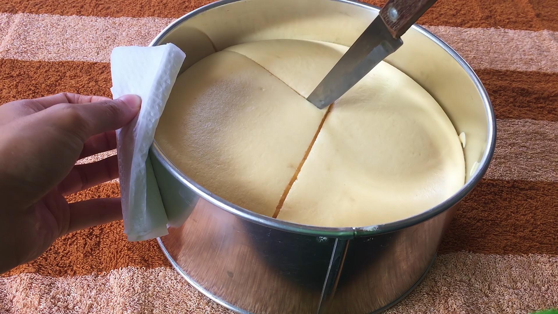 Cách làm bánh chiffon theo phương pháp bột nóng-5 cách làm bánh chiffon Cách làm bánh chiffon theo phương pháp bột nóng cach lam banh chiffon theo phuong phap bot nong 37