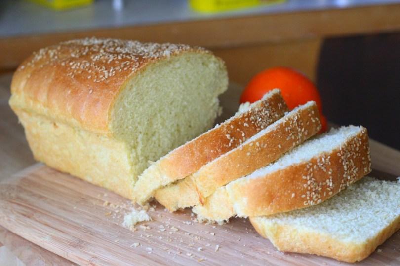 Cách làm bánh mì táo mềm vàng ươm hấp dẫn cách làm bánh mì táo Cách làm bánh mì táo vàng ươm mềm thơm cho bữa sáng cach lam banh mi khong can nhoi bot de thanh cong2