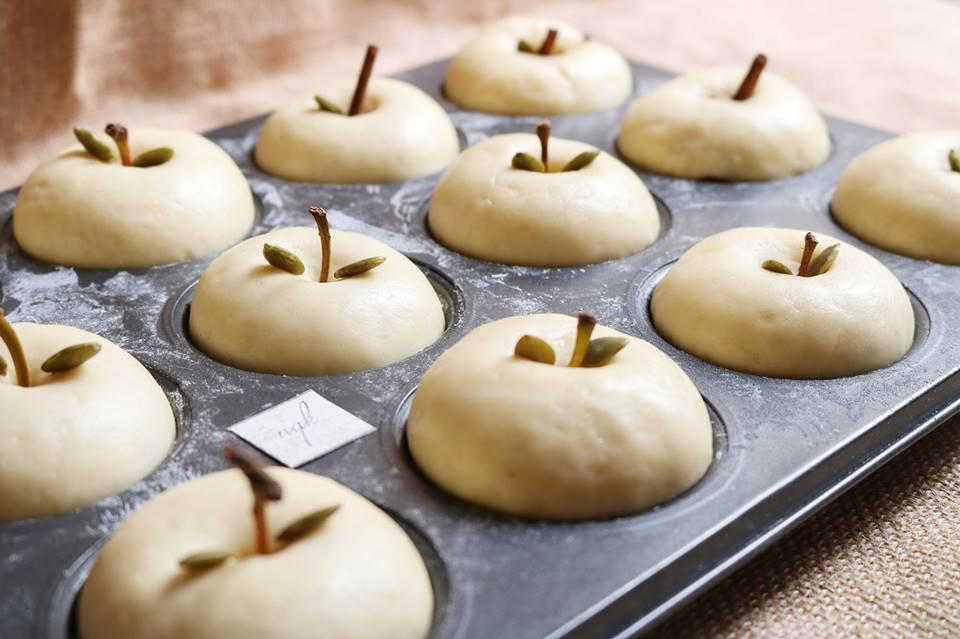 Cách làm bánh mì táo vàng ươm mềm thơm hấp dẫn-67 cách làm bánh mì táo Cách làm bánh mì táo vàng ươm mềm thơm cho bữa sáng cach lam banh mi tao vang uom mem thom hap dan