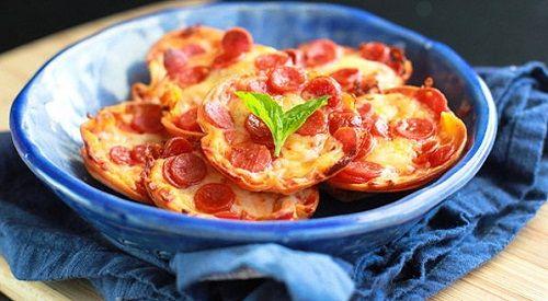 Cách làm pizza ma ngộ nghĩnh đón Halloween-34 cách làm pizza ma Cách làm pizza ma ngộ nghĩnh đón Halloween cach lam banh pizza mini cho bua sang day dinh duong 10