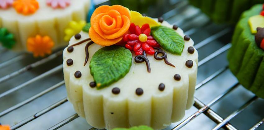 Mê mẩn cách làm bánh Trung thu hoa nổi xinh hết ý