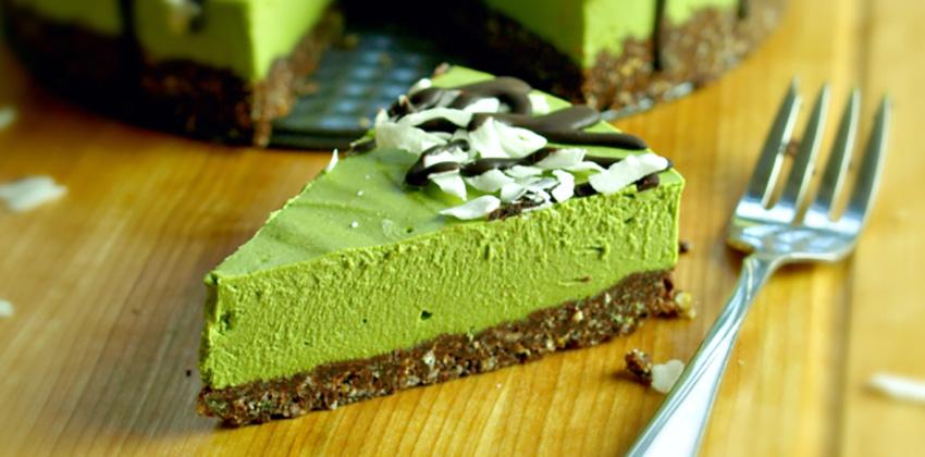 Cách làm cheesecake trà xanh đơn giản không cần lò nướng