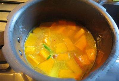 cách nấu súp bí ngô cho halloween cách nấu súp bí ngô Cách nấu súp bí ngô ngon tuyệt cho Halloween cach nau sup bi ngo cho bua tiec halloween 71
