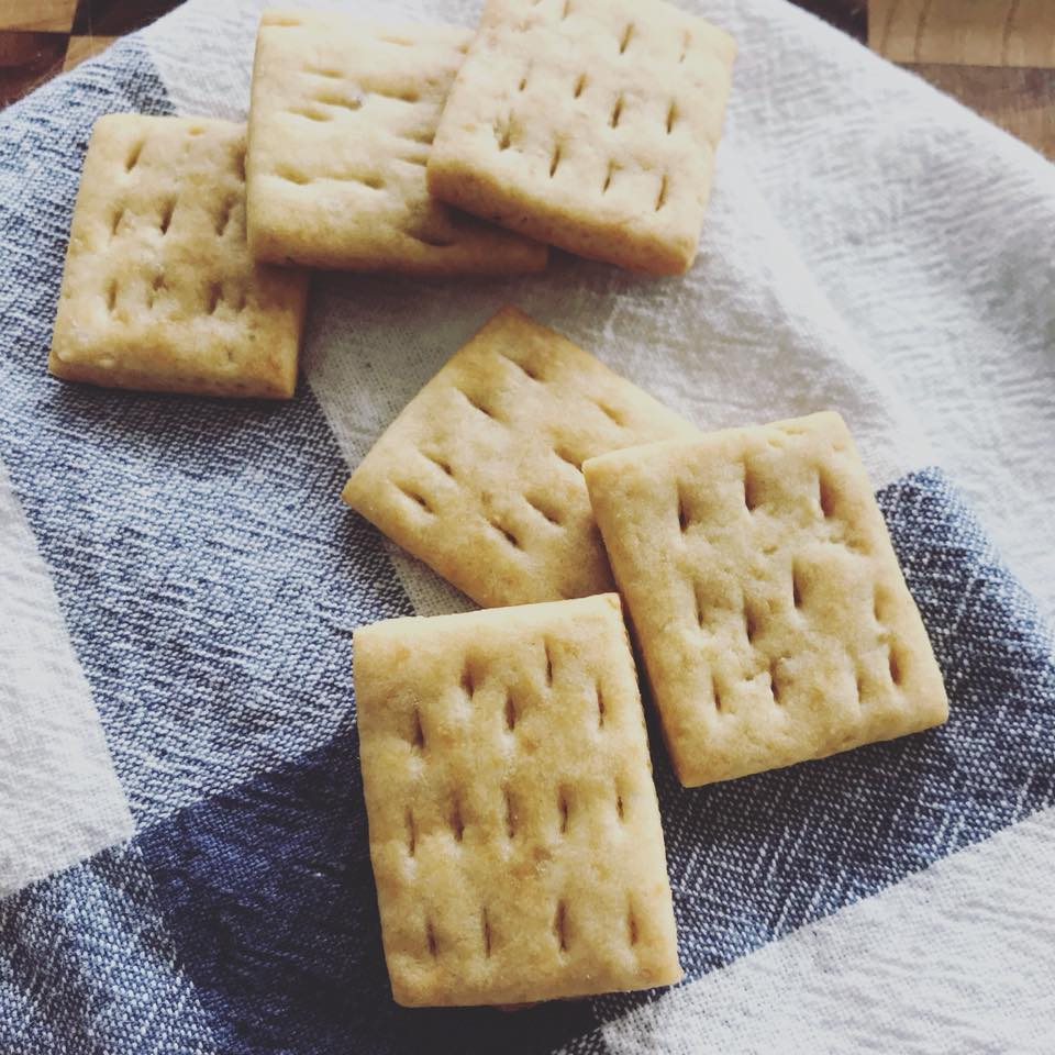 Cách làm bánh khoai mì nướng không cần lò nướng-456 cách làm bánh khoai mì nướng không cần lò nướng Cách làm bánh khoai mì nướng không cần lò nướng Cach lam banh quy khoai tay khong duong giau dinh duong cho tre nho