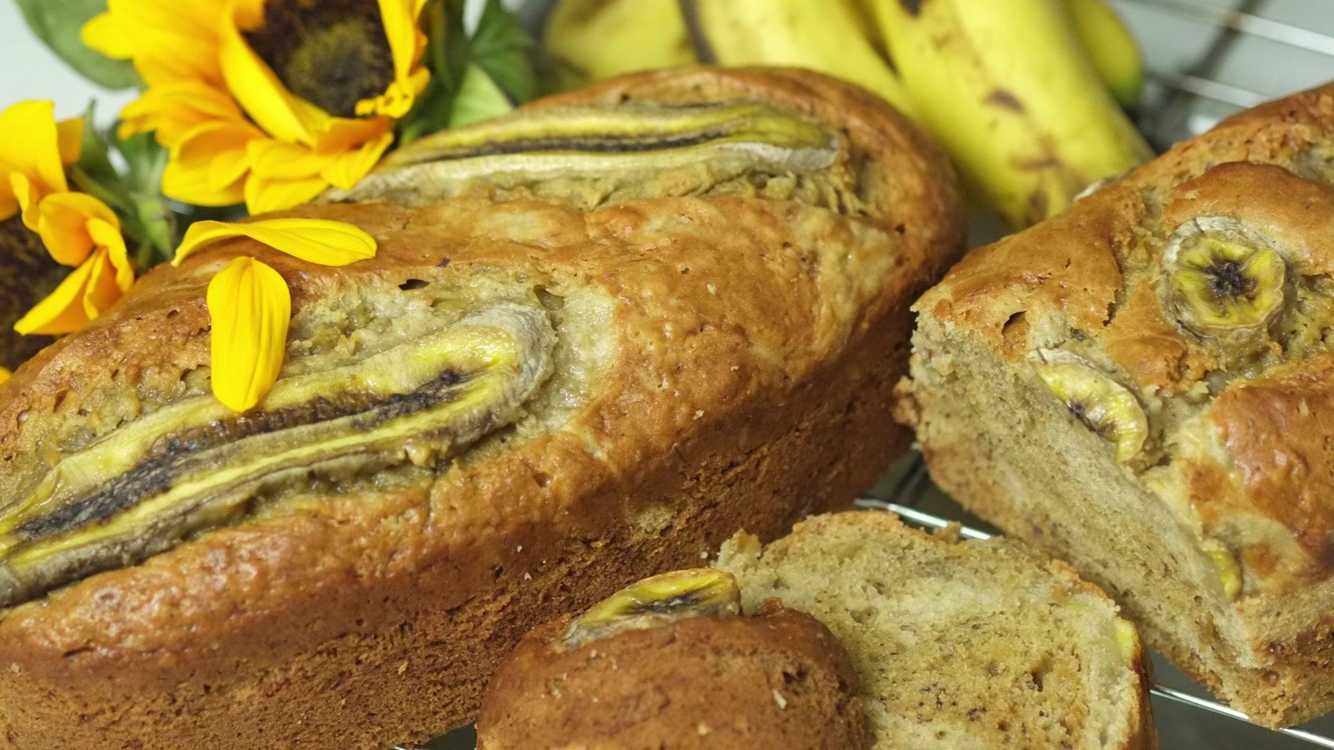 Cách làm bánh bông lan chuối thơm ngon bổ dưỡng cho bữa sáng gia đình-1 cách làm bánh bông lan chuối Siêu ngon với cách làm bánh bông lan chuối bổ dưỡng cho bữa sáng H     ng d   n l  m b  nh b  ng lan chu   i Banana cake 02