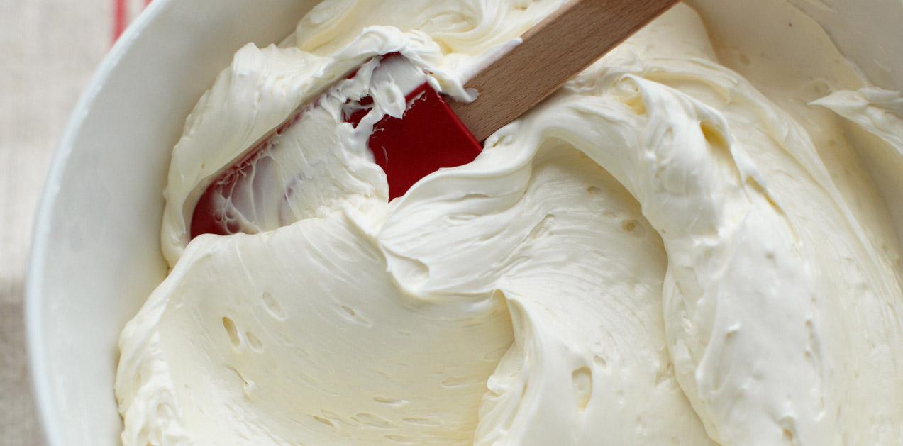 Kem bơ sữa chua   8 mẫu hoa kem bơ Hàn Quốc phổ biến nhất trong trang trí bánh bien tau voi cach lam kem bo sua chua trang tri banh an hoa khong ngay 1 2