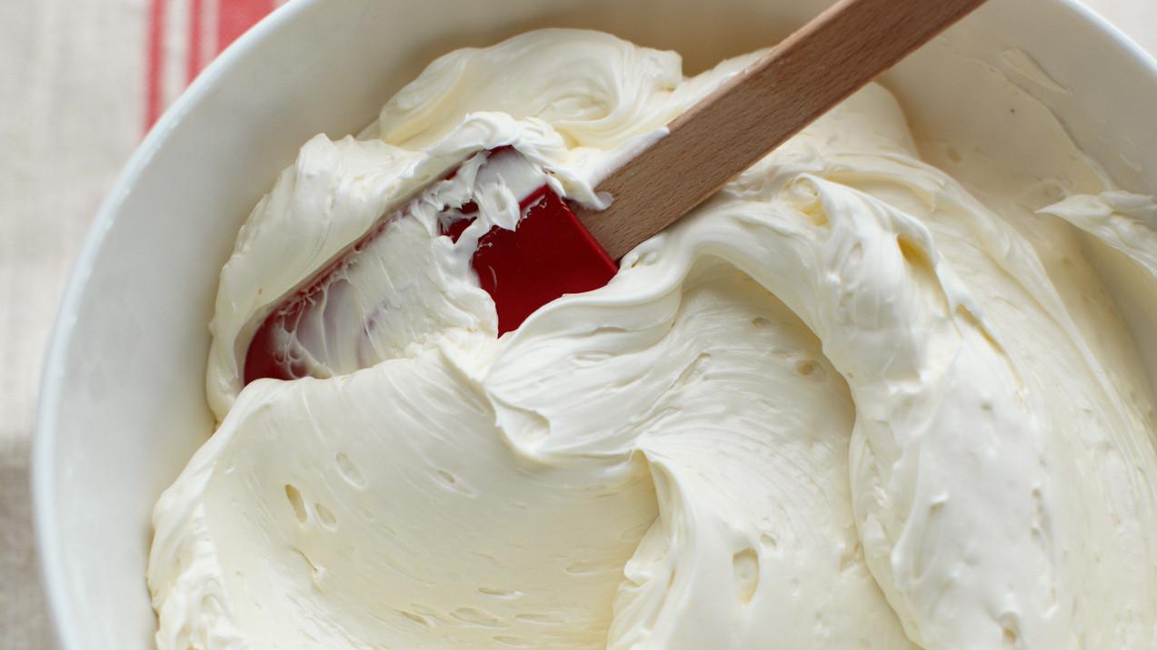 Biến tấu với cách làm kem bơ sữa chua trang trí bánh ăn hoài không ngấy-4  Biến tấu với cách làm kem bơ sữa chua trang trí bánh cực ngon bien tau voi cach lam kem bo sua chua trang tri banh an hoa khong ngay 1