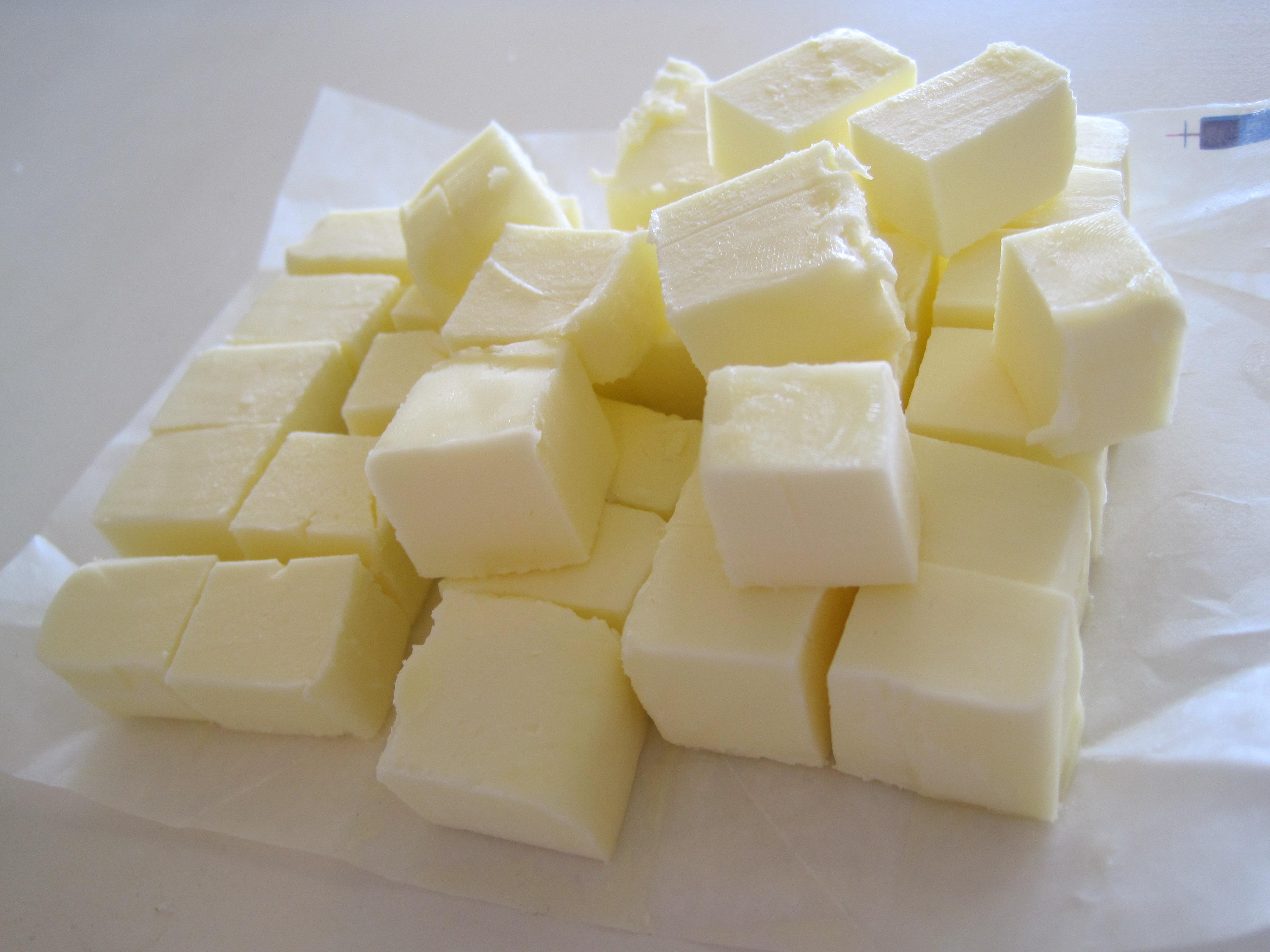 Biến tấu với cách làm kem bơ sữa chua trang trí bánh ăn hoài không ngấy-2  Biến tấu với cách làm kem bơ sữa chua trang trí bánh cực ngon bien tau voi cach lam kem bo sua chua trang tri banh an hoa khong ngay