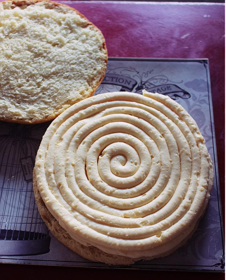 Cách làm bánh Tropézienne - hương vị bánh đặc trưng nước Pháp -74 cách làm bánh tropézienne Cách làm bánh Tropézienne – hương vị bánh đặc trưng nước Pháp cach lam banh Trop  zienne huong vi banh dac trung nuoc phap