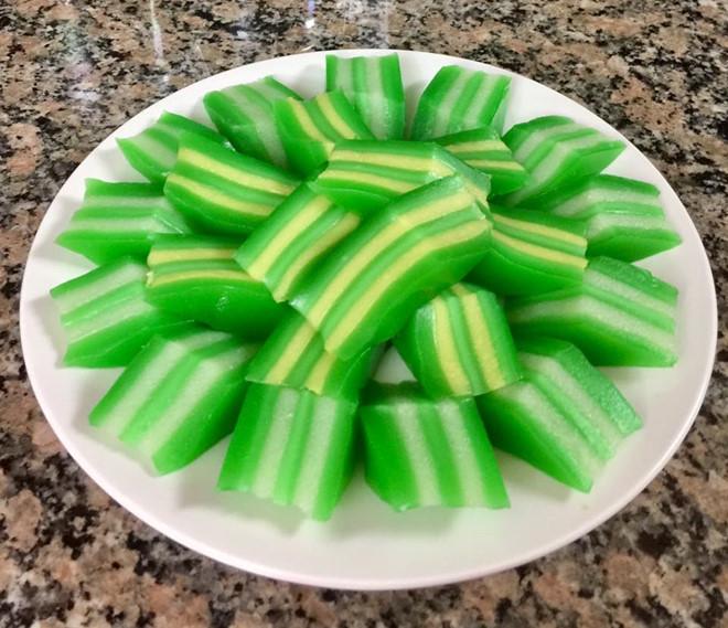 Cách làm bánh rây - món bánh truyền thống của người Khmer-1 cách làm bánh rây Cách làm bánh rây – món bánh truyền thống của người Khmer cach lam banh da lon nuoc cot dua thom nuc mui 2