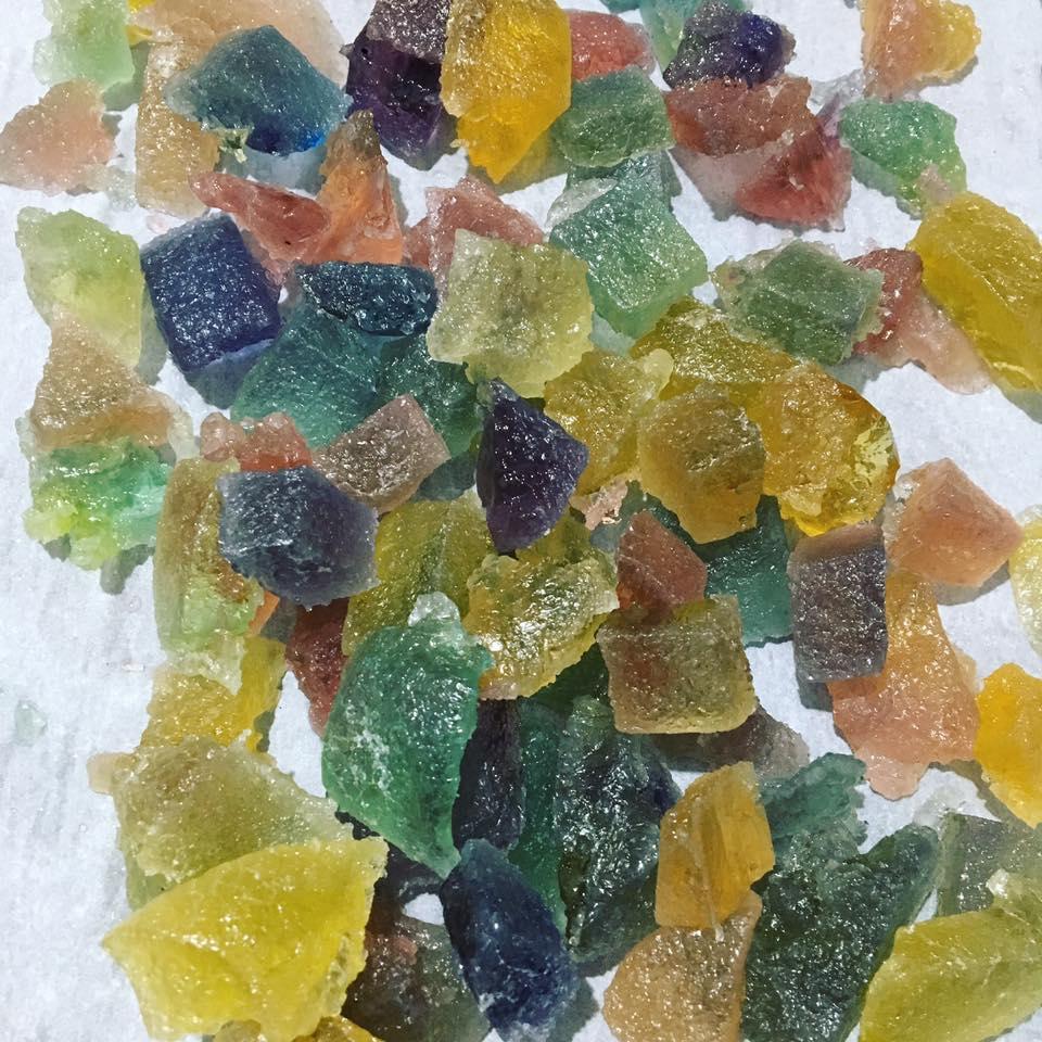 Cách làm kẹo dẻo bằng bột rau câu lấp lánh như đá quý-372 cách làm kẹo dẻo không cần gelatin Cách làm kẹo dẻo không cần gelatin lấp lánh như đá quý cach lam keo deo ban bot rau cau sang lap lanh nhu da quy 1