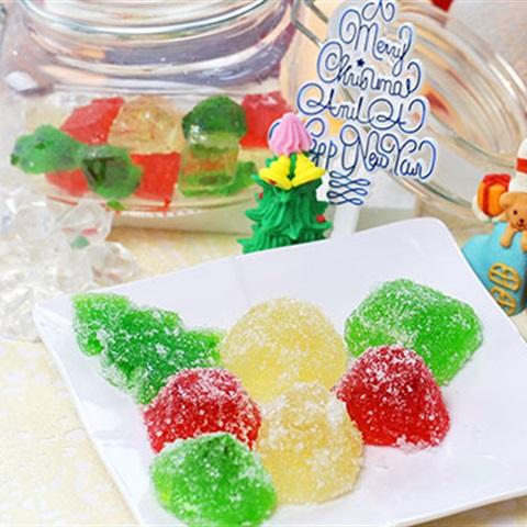 Cách làm kẹo dẻo giáng sinh ngon ngất ngây từ hoa quả-1  Cách làm kẹo dẻo Giáng Sinh ngon ngất ngây từ hoa quả cach lam keo deo giang sinh ngon ngat ngay tu hoa qua