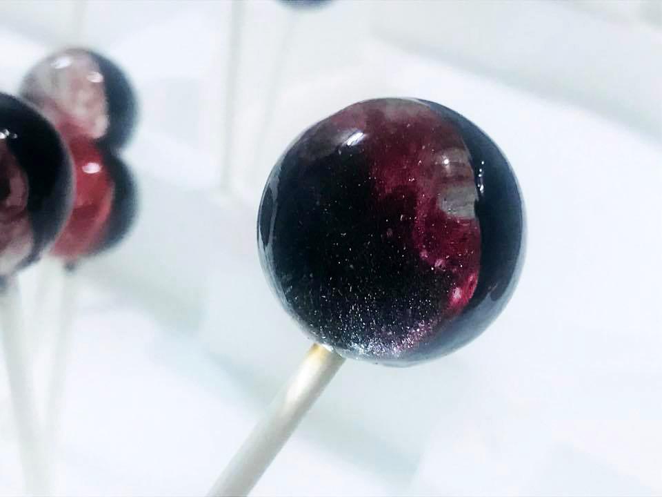 cách làm kẹo mút đường Lollipop dải ngân hà đầy huyền bí -1 cách làm kẹo mút đường Cách làm kẹo mút đường Lollipop dải ngân hà đầy huyền bí cach lam keo mut duong Lolipop dai ngan ha day huyen bi