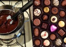 Một số mẹo cần thiết khi làm socola bằng khuôn socola silicon-345 mẹo làm socola bóng đẹp Mẹo làm socola bóng đẹp bằng khuôn socola silicon cach lam socola bang khuon socola silicon 567 230x165