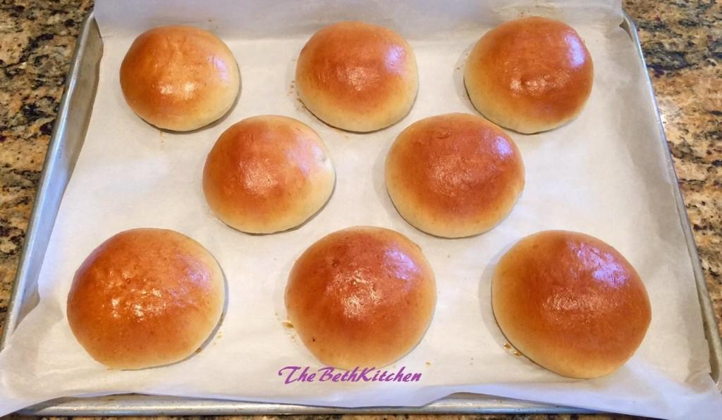 Cách làm bánh mì chà bông sốt bơ-45 cách làm bánh mì chà bông sốt bơ Phát cuồng với cách làm bánh mì chà bông sốt bơ thơm ngon khó cưỡng de dang hon bao gio het voi cach lam banh mi ngot nhan thit bang may tron bot Bear 1024x597 1